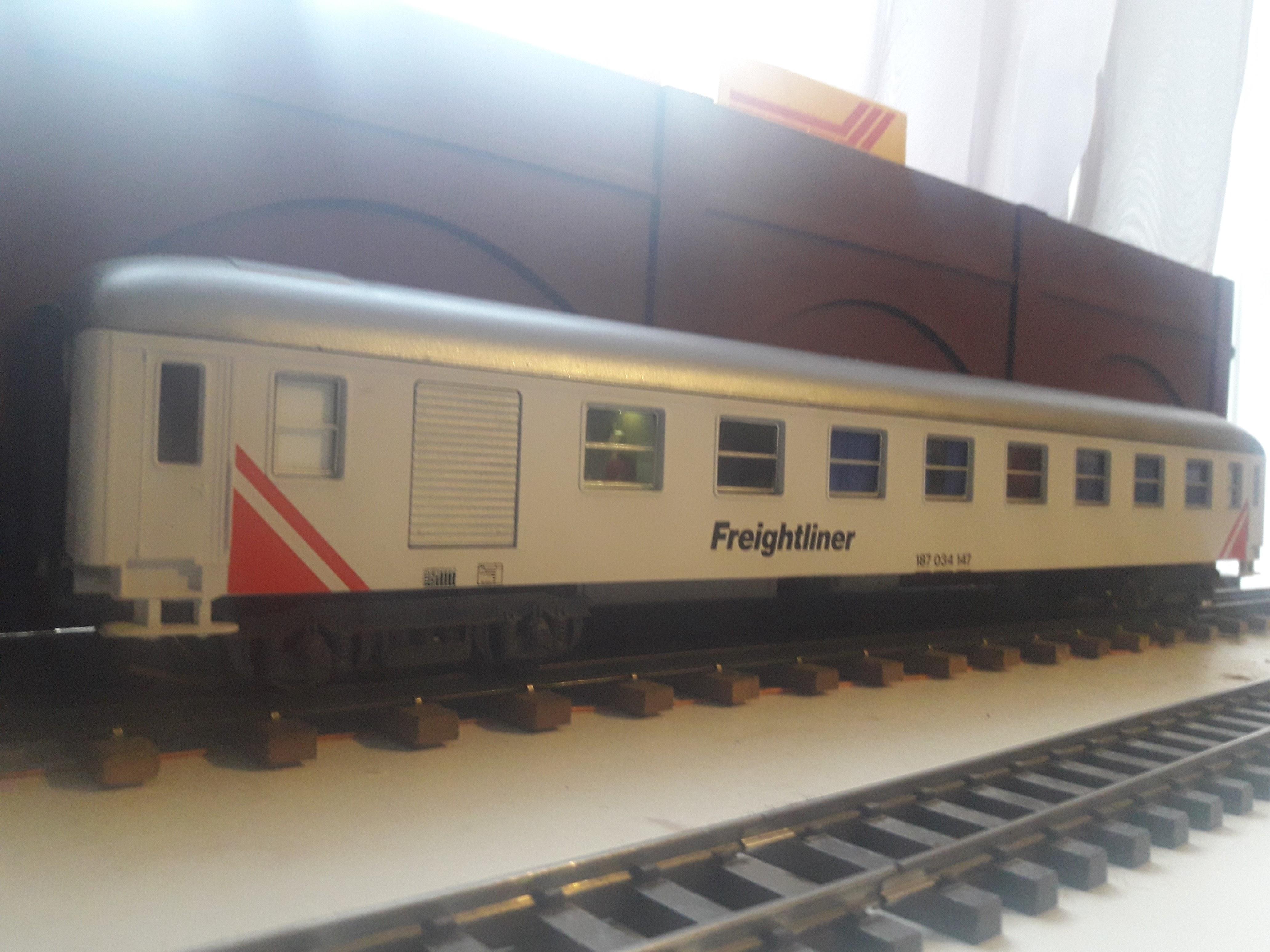 Transformation sur base Lima / Rivarossi pour trains marchandises. 20171104_082612