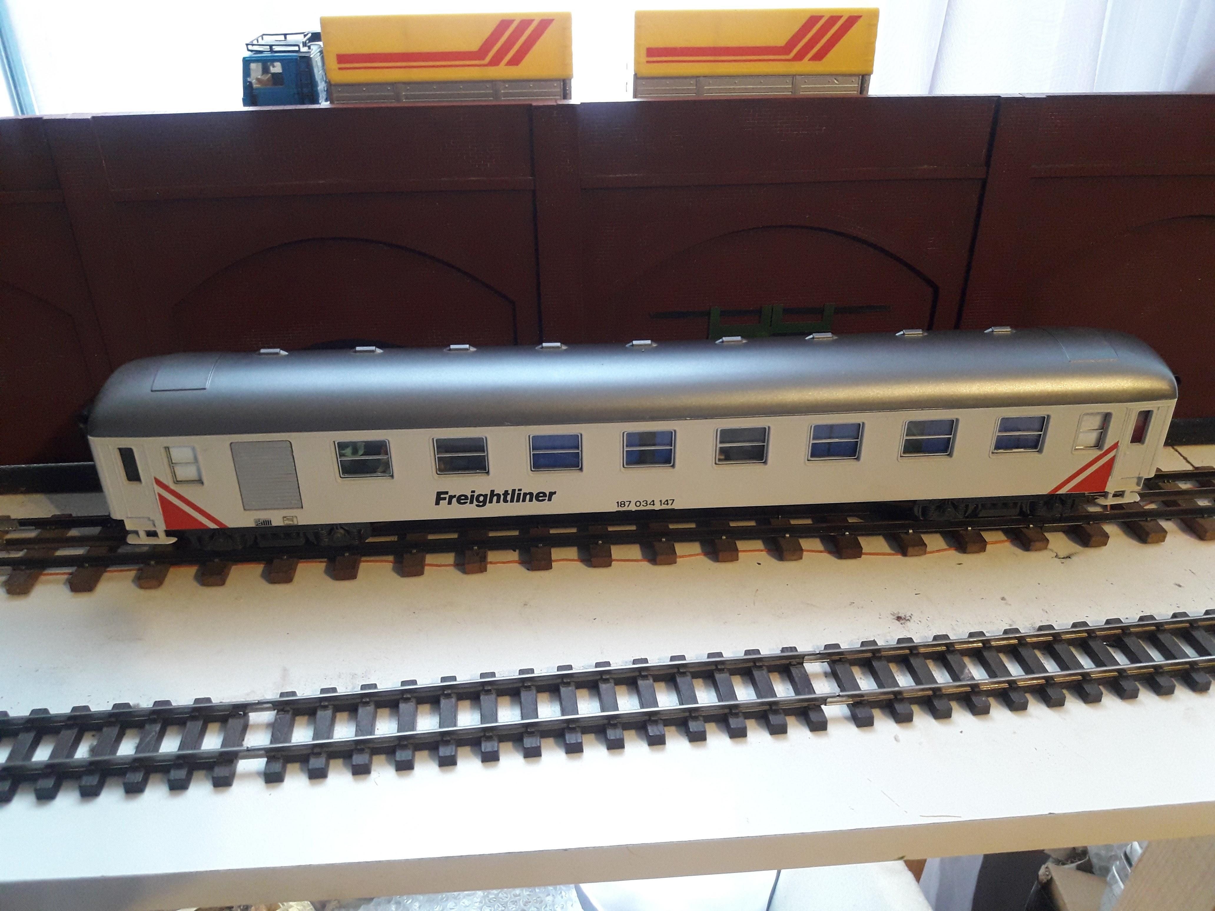 Transformation sur base Lima / Rivarossi pour trains marchandises. 20171104_082656