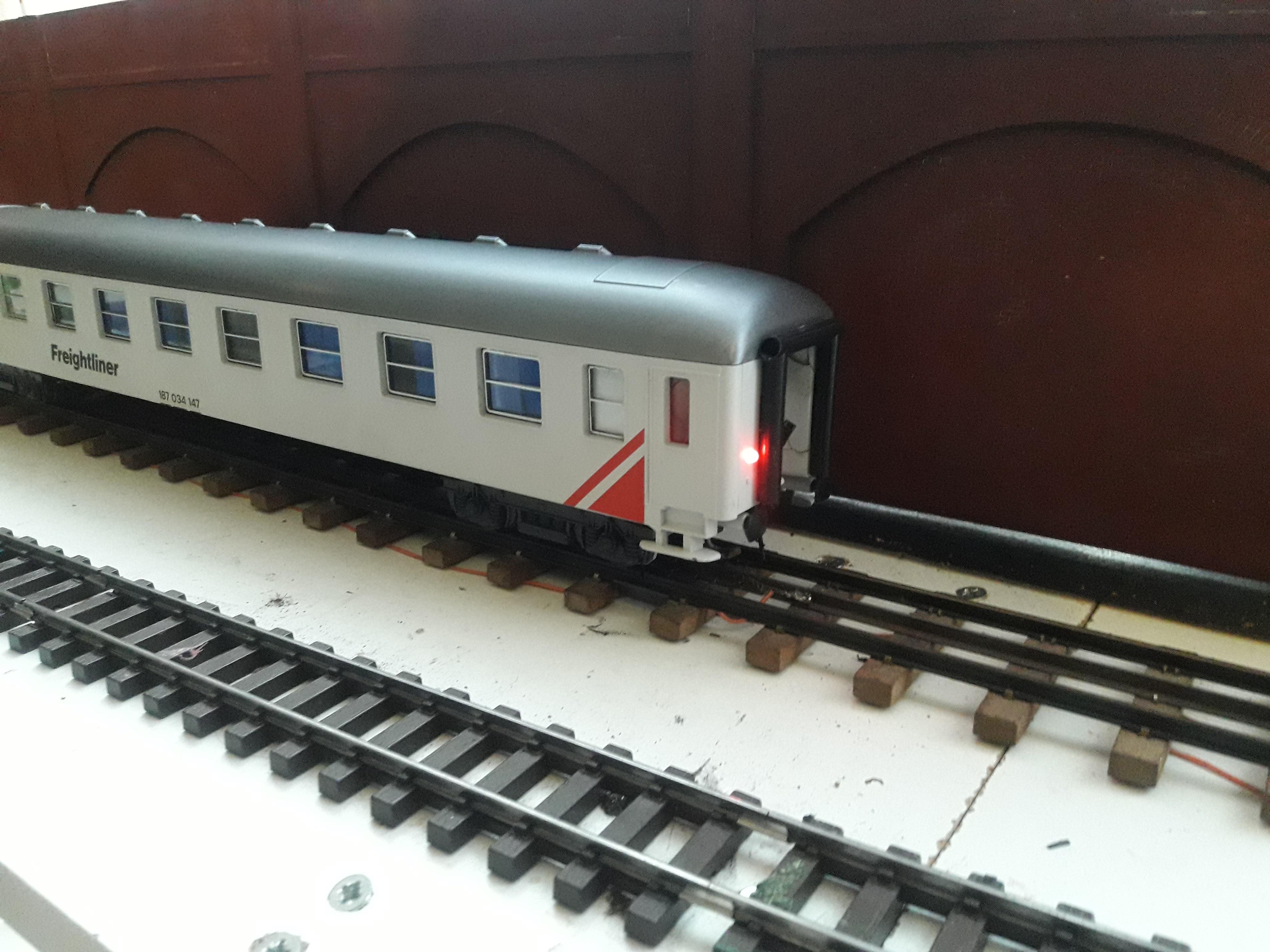 Transformation sur base Lima / Rivarossi pour trains marchandises. 20171104_082702