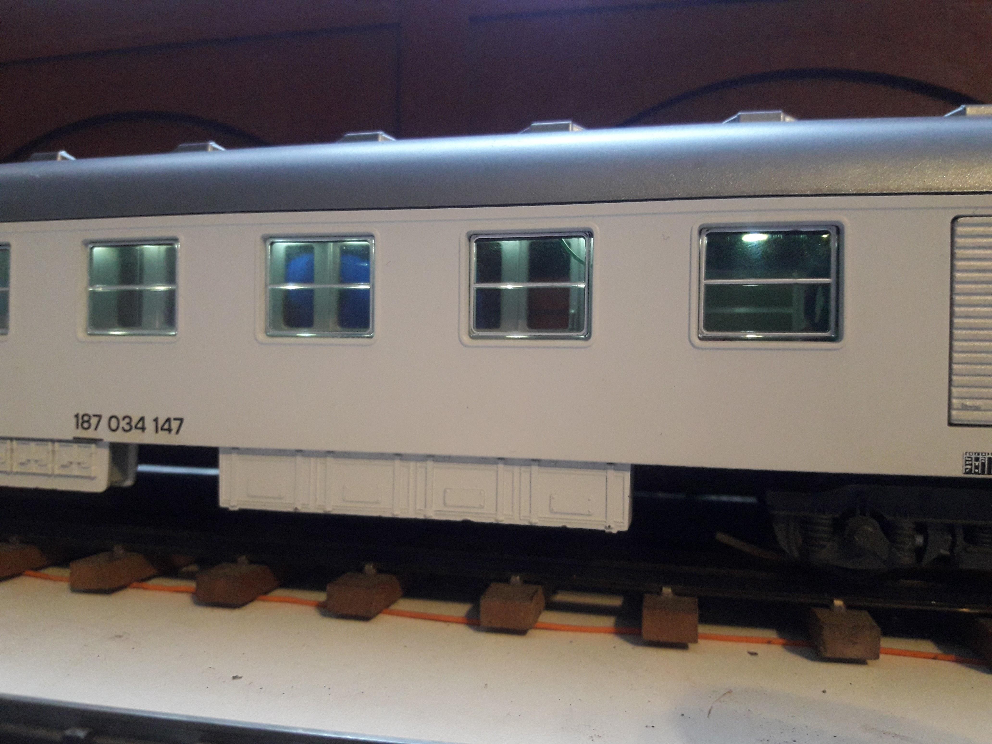 Transformation sur base Lima / Rivarossi pour trains marchandises. 20171104_082745